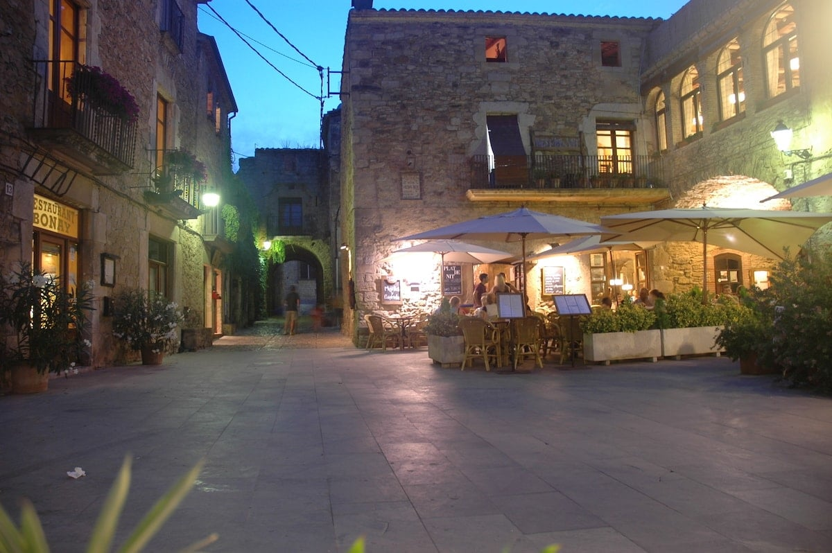 Peratallada - best towns to visit near Barcelona for a day trip 2021-min